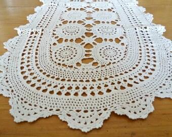 Vintage Crocheted Runner Ecru Doilys Centerpiece Runner Doilies D35