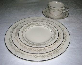Vintage Noritake 5 Piece Porcelain China Place Setting Parkridge Pattern Circa 1970's