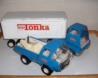 Tonka Tractor Trailer and Tow truck Set