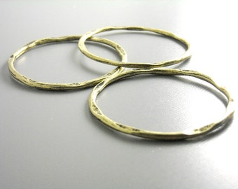 LINK-AB-41X39 - Large Antique Brass Plated Hammered Circle Connectors - 4 pcs
