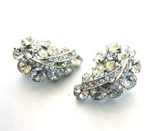 Weiss Vintage Clip on Earrings in Silver Tone 1960's amazing clear crystals perfect for vintage wedding or retro bride or date night