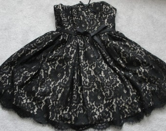 Fancy Black lace dress, strapless, lined, french market, french chic