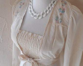 vintage 70's bohemian chic embroidered cream cropped tie front blouse SM