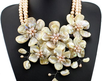 Natural Freshwater Pearl shell Flower Necklace Statement Necklace sister gift, friend gift, mothers gift, wedding gift