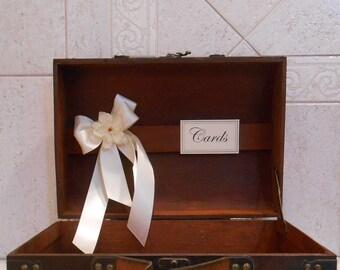 Wedding Card Trunk / Rustic Wedding Card Box / Suitcase Card Holder / Wedding / Brown Card Trunk / Wedding Decorations / Wedding Card Holder
