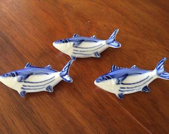 Set of 3 Blue and white porcelain fish hashi chopstick holder