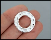 5 Bright Silver 23mm INFINITY Circle Connector - Tibetan Style Hammered Textured Flat Donut Infinity Focal Boho Link - USA DIY Craft - 6619