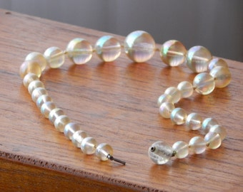 Lucite Bead Necklace, Hand Knotted Beads, Iridescent Bubble Beads,Vintage Jewelry