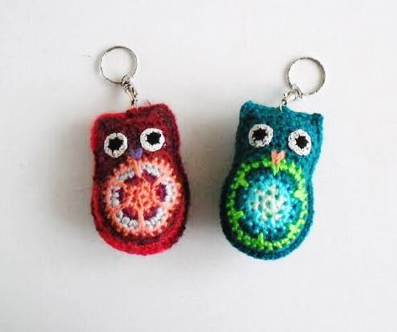 Crochet owl keychain. set of 2. Cute pair accessories. zipper charm.