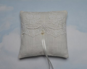 Linen ring pillow. Off white/ivory wedding ring cushion.
