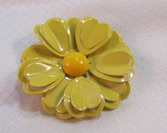 1960's Yellow Enameled Daisy Brooch