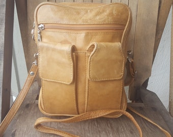 CAMEL    ///    Leather Hip Bag