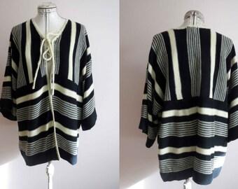 RESERVED RESERVED 70s Black Ivory White Southwestern Cardigan Sweater Box Sleeve Acrylic Vegan Medium Large