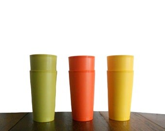 Vintage Tupperware Tumblers 1970s Four Tall Plastic Cups - Yellow Orange and Green - Fall Colored Tupperware - Set of 6 Tumblers
