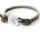 Gift for teen girls, silver macrame bracelet with tree charm, meaningful gift for girls confirmation, leather bangle in silver and seafoam