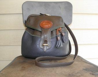 Vintage Dooney & Bourke Green Blue Teton Leather Drawstring Cross Body Sling Bag Carryall Backpack Bucket Multicolor