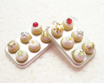 Christmas Muffin Pan / cupcakes Earrings. Polymer Clay.