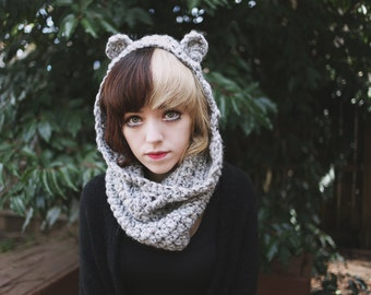 Capucha - Handmade Crochet Hooded Cowl Bear Ears