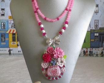 """VENDU - Ravissant collier plastron pendentif  """"Un panier de fleurs parmi les fleurs"""""""