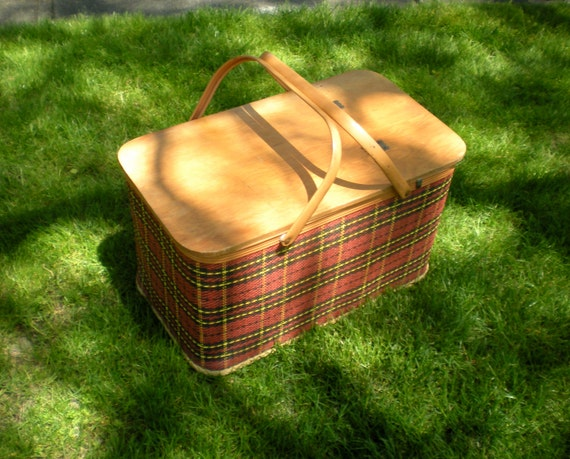 Red Plastic Picnic Basket : Redmon picnic basket classic red black yellow plaid metal
