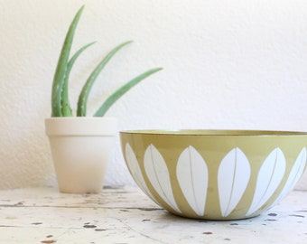 "Vintage Cathrineholm of Norway Enamel 8"" Bowl, Green Lotus Pattern, Mid Century, 1970s"