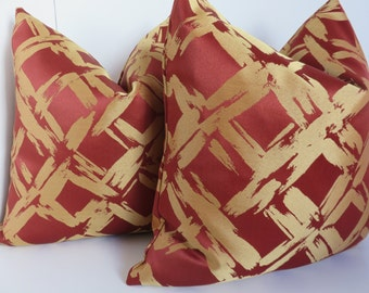 Christmas pillow cover- 20x20 Pillow Cover - Red gold pillow - Gold pillow - Red pillow - Christmas decoration - Holiday decoration