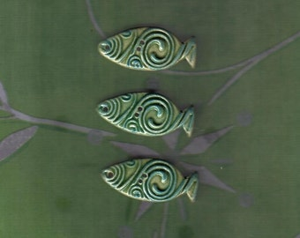 Turquoise with green pale ceramic fishes 3 pieces - buttons or mosaic tiles with Celtic spiral pattern - 3.5 cm long