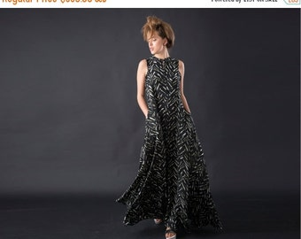 SALE 40% OFF Trendy Maxi Dress with Black, White and Green Print, Sleeveless Summer and Spring Dress, Oversized Chic Designer Dress for Day