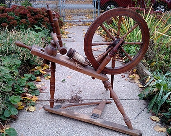 Antique Spinning Wheels for Sale