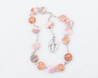 Chaplet Little Crown of the Blessed Virgin Mary - Pink Marbled Stone Beads, 10 mm flat coins - Our Lady Untier of Knots, Pope Francis