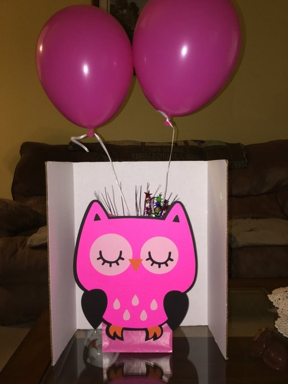 Cute owl balloon party centerpiece