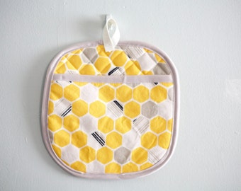 yellow honeycomb oven mitt potholder kitchenware under50