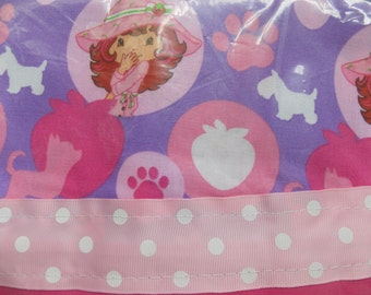 strawberry shortcake with her pets cotton pillowcase