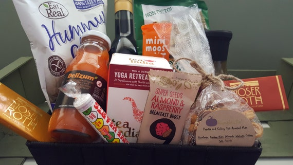 Christmas gifts for vegans: Vegan food gift basket