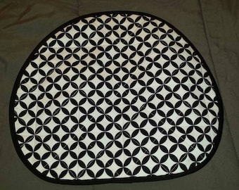 Black and White reversible Quilted Steering Wheel cover in geometric shapes and polka dots
