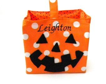 Personalized Halloween Bucket, Personalized Trick or Treat Bag, Halloween Tote With Name, Halloween Basket, Candy Bucket Trick or Treat Pail