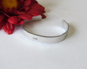 INFINITY Bracelet - Silver Cuff Bracelet - Mothers day bracelet - bridesmaid bracelet -Gift box included - simple everyday wear