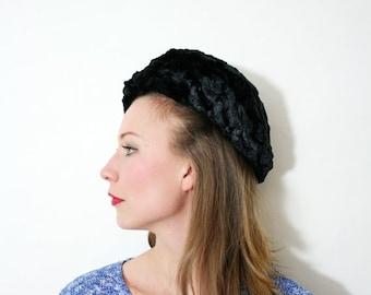 ON SALE Vintage Chunky Knit Black Velvet Beret Hat