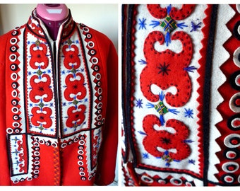 Stunning 1940's Polish Style Folk Red Cape with Felt Embroideries
