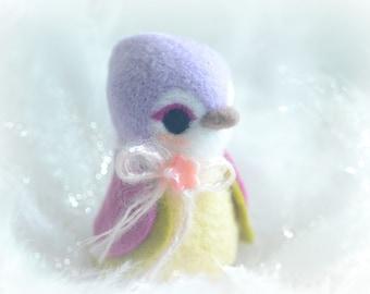 Needle felt wool bird figurine, handmade bird doll, purple and green color Hershey bird doll, kids gift, gift under 25