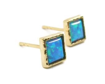 Yellow 14k gold earrings. 5mm Opal stud earrings. Elegant gold earrings. Opal gold earrings. birthday gift, anniversary gift, opal jewelry