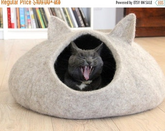 SALE Pet bed - natural beige cat bed - cat cave - cat house - made to order - Christmas gift