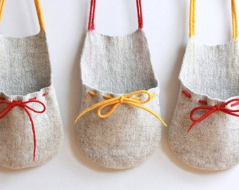 SALE Set of 3 hanging baskets - toys organizer - felted wool baskets from natural beige wool with red and yellow strings