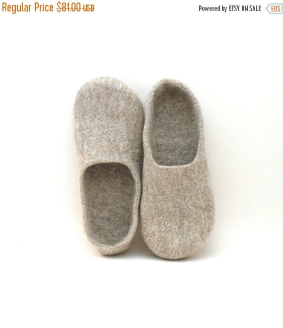 SALE Felted slippers Neutral - natural beige wool clogs - made to order - cozy home shoes - eco friendly - Weddings gift - unisex slippers