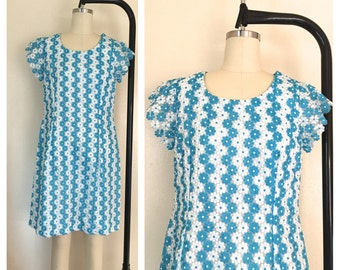 Vintage 1950s Handmade White/Blue Floral Embroidered Day Shift Dress