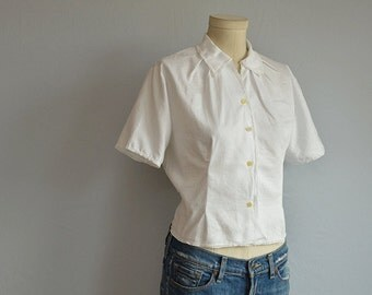 Vintage 50s Blouse / 1950s White Shirt with Lce Trim