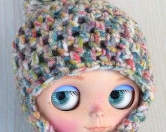 Wool pom pom hat, for blythe