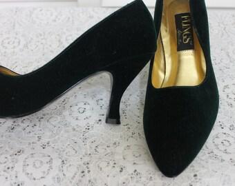 Vintage Black Velvet Kitten Heels Size 7 M 1990s