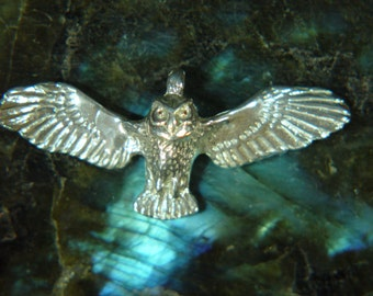Owl Pendant.  Solid Argentium® Sterling Silver Pendant *AS93071