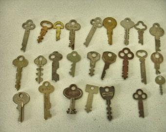 Vintage Lot of 25 Flat Keys Rustic Keys Craft altered art steampunk collector keys Lot no. 42